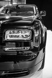 Fragment av den i naturlig storlek lyxiga bilen Rolls Royce Phantom Series II (efter 2012) Royaltyfri Bild