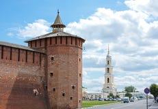 Fragment av den Kremlin väggen, stad Kolomna Royaltyfria Foton