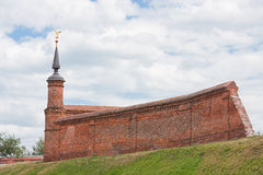Fragment av den Kremlin väggen, stad Kolomna, Moscow område Arkivbild