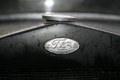 Fragment av den retro gamla bilen GAZ - motorförbundet, den berömda `-polutorka`en, bilen av det andra världskriget WW2 - USSR 19 Arkivbild