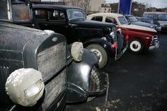 Fragment av den retro gamla bilen GAZ - motorförbundet, den berömda `-polutorka`en, bilen av det andra världskriget WW2 - USSR 19 Arkivfoton