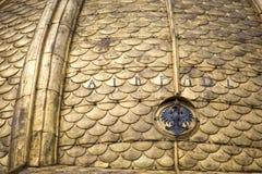 Fragment av den Wawel domkyrkan Kunglig Archcathedral basilika av helgon Stanislaus och Wenceslaus på den Wawel kullen (Katedra W Royaltyfri Bild
