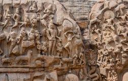 Fragment av en forntida skulptur av en basrelief i Mammallapura Arkivbilder