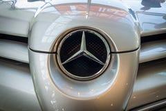 Fragment av en storslagen tourerbil Mercedes-Benz SLR McLaren, 2006 Arkivbild