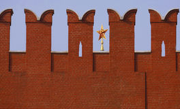 Fragment av en vägg av den Moskow Kreml Royaltyfri Fotografi