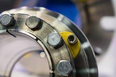 Fragment av förseglingssystemet av den industriella pumpen Arkivbild