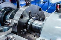 Fragment av förseglingssystemet av den industriella pumpen Royaltyfria Bilder