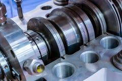 Fragment av förseglingssystemet av den industriella pumpen Arkivfoto