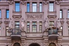 """Fragment av fasaden av byggnaden, Chekhov gata Saint†""""Petersburg Royaltyfria Foton"""