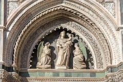 Fragment av fasaden av domkyrkan Santa Maria del Fiore Duomo, Florence, Italien Arkivbilder