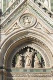 Fragment av fasaden av domkyrkan Santa Maria del Fiore Duomo, Florence, Italien Arkivfoto