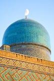Fragment av forntida muslimska arkitektoniska komplexa Bibi-Chanum i Samarkand arkivbilder