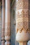 Fragment av sned träkolonner i al-Bukhari i Bukhara Royaltyfria Bilder