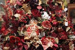 Fragment d'arbre de Noël avec un hibou Images stock