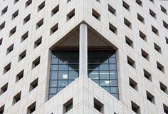 Fragment d'un gratte-ciel à Tel Aviv photo stock