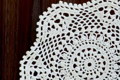 Fragment d'un napperon de crochet de vintage Copiez l'espace Photo libre de droits