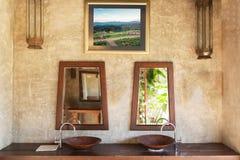 Fragment d'une salle de bains thaïlandaise locale photographie stock