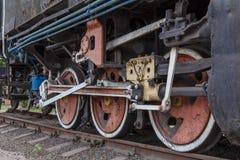 Fragment d'une vieille locomotive rouillée Photo stock