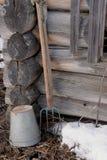 Fragment d'une vieille maison en bois Photos stock
