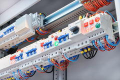Fragment de circuit dans le coffret de contrôle de puissance Image stock