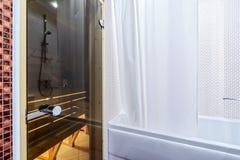 Fragment de la salle de bains intérieure Photographie stock libre de droits