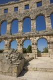 Fragment de mur d'amphithéâtre antique dans le Pula Photos libres de droits