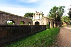 Fragment de mur d'Aurelian autour de Rome antique sur la rue d'Aurelia Antica Image stock