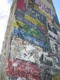 Fragment de mur de Berlin images libres de droits