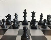 Fragment de partie d'échecs cours d'un gage e2-e4 Photo stock