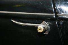 Fragment de rétro vieille voiture Volga GAZ - M1, les cadres supérieurs célèbres de voiture de ` d'emka de ` pendant le WW2 - l'U Images libres de droits