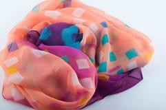 Fragment de tissu semi-transparent de mousseline de soie avec le modèle Image stock