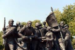 Fragment der Erinnerungs- ` Befreier von Vitebsk - sowjetische Soldaten, Anhänger und Untertage-` lizenzfreies stockbild
