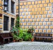 Fragment der Wand und Ecke von Cesky-krumlov ziehen sich zurück Stockfoto