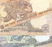 Fragment des billets de banque indiens - 10, 50 et 100 Indi Images libres de droits
