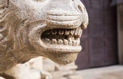 Fragment des dents de statue Image libre de droits