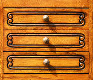 Fragment des meubles de woodcarving dans le rétro type. Photo stock
