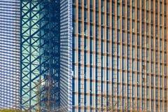 Fragment des modernen Bürogebäudes in Vilnius stockbilder