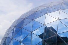 Fragment des modernen Glasgebäudes Stockfotos