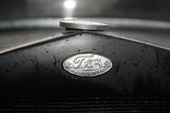 Fragment des Retro- alten Autos GAZ - AA, das berühmte ` polutorka `, das Auto des zweiten Weltkriegs WW2 - UDSSR 1930 Stockfotografie