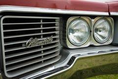 Fragment eines Größengleichautos Oldsmobile 88 Delmont Lizenzfreies Stockbild