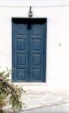 Fragment eines Hauses mit Tür Stockfotos