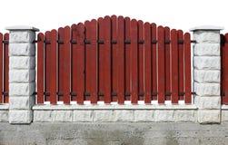 Fragment eines roten ländlichen Zauns lokalisiert Stockbilder