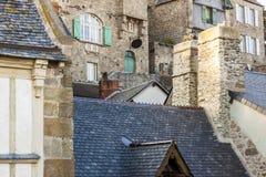 Fragment van dorp onder monastry op de Berg Heilige Mic Royalty-vrije Stock Afbeeldingen