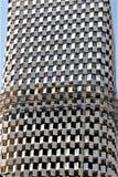 Fragment van een modern gebouw in aanbouw in Tirana, de hoofdstad van Albanië royalty-vrije stock foto's