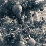 fragment van een verfraaide Kerstboom Stock Afbeeldingen