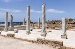 Fragment van gebouwen binnen in de geruïneerde stad van Caesarea Stock Foto