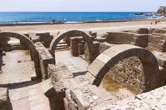 Fragment van gebouwen binnen in de geruïneerde stad van Caesarea Royalty-vrije Stock Foto's
