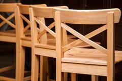Fragment van houten stoelen Royalty-vrije Stock Afbeelding