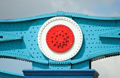 Fragment van metaalbouw van de Brug van de Toren Stock Foto's