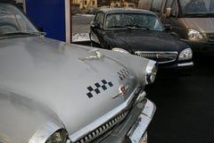 Fragment van retro oude auto Volga GAZ - 21 taxi?en cabine/de USSR 1960 Stock Foto